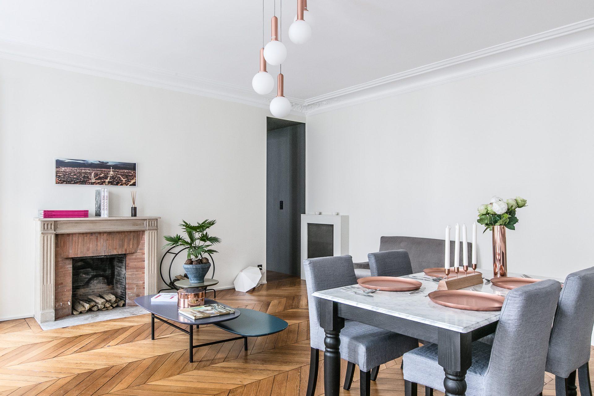 Architecture intérieure d\'un appartement entièrement rénové ...